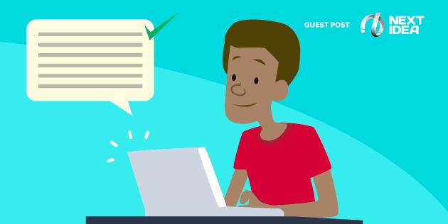 homem no computador e aplicando as melhores práticas na produção de conteúdo