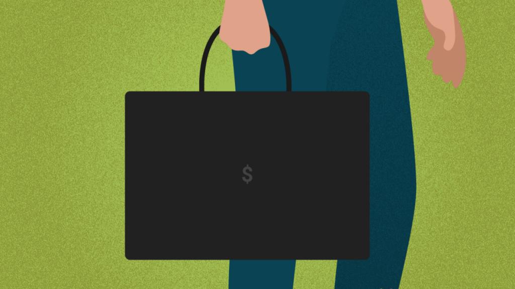 cómo ser un buen vendedor - una persona sujetando una maleta