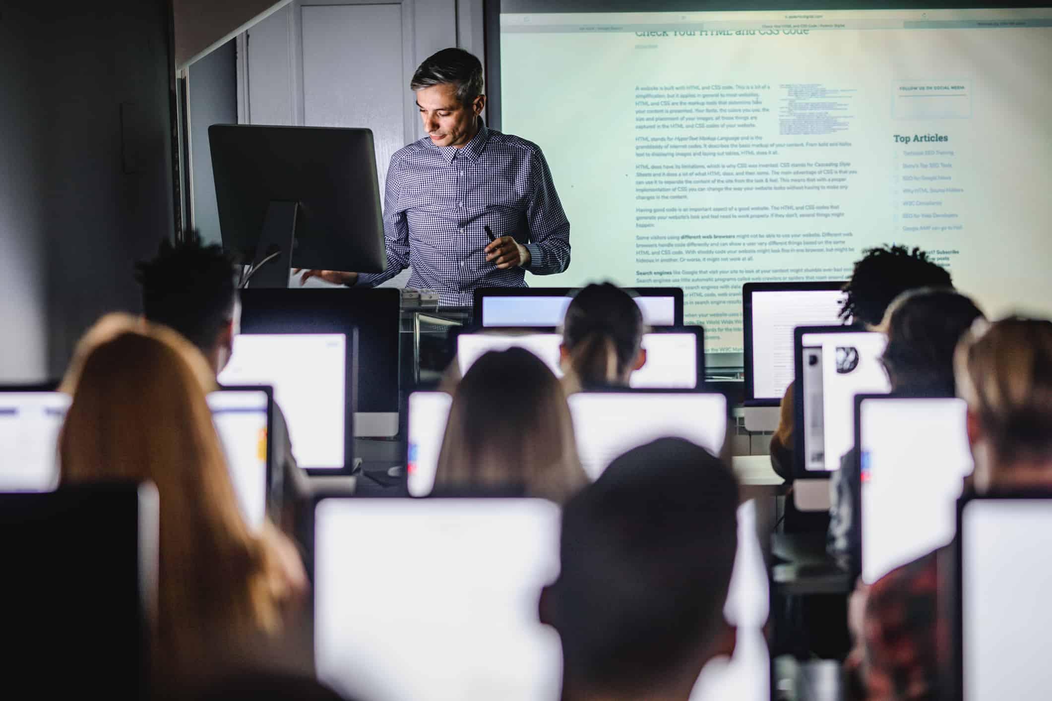 Faculdades preparam alunos para a economia colaborativa