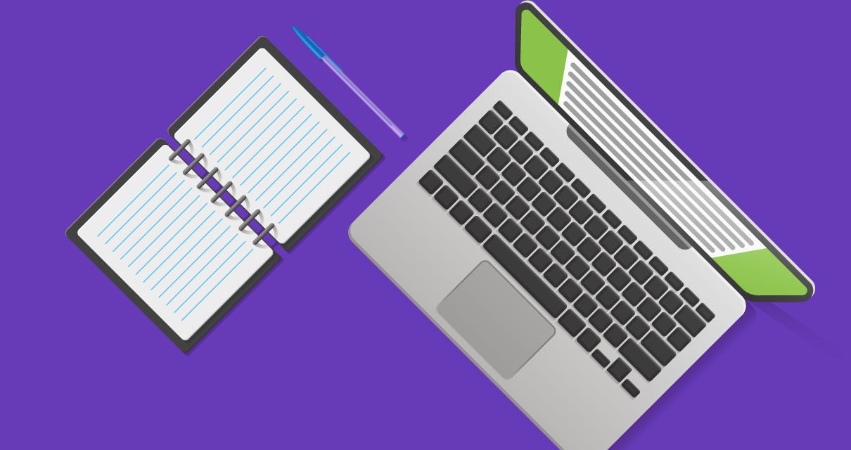 a mesa de um planejador de conteúdo profissional