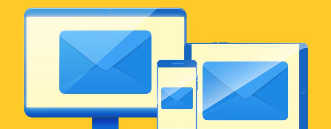 Email marketing responsivo aparecendo na tela de um tablet, celular e computador